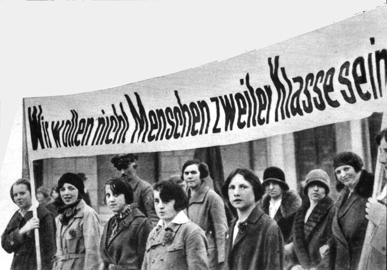 Frauenwahlrecht 100 Jahre